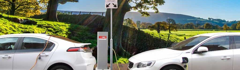 coche híbrido o eléctrico
